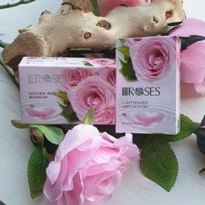 TWEE STUKS ROZENOLIE met rozenblaadjes 2x75gr